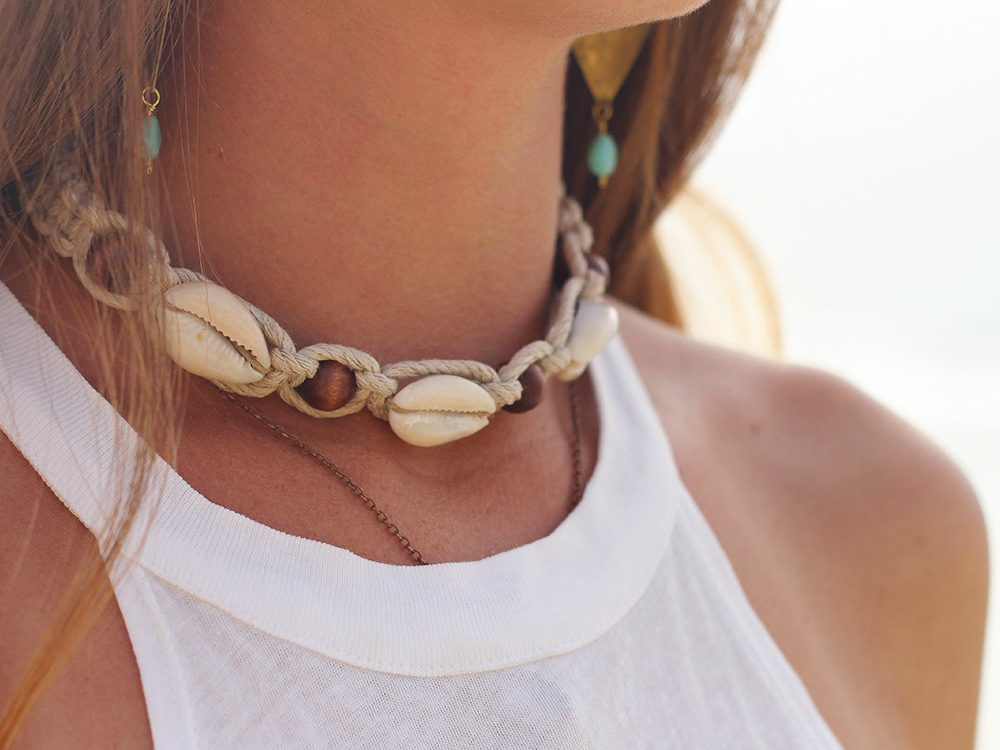 wood bead hemp choker
