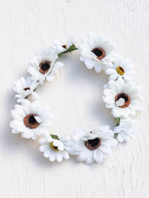 white daisy flower hair crown